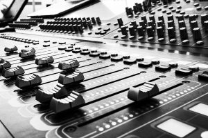 äänentoisto esiintymistekniikka miksaajat äänitekniikka valotekniikka vuokraus